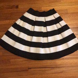 Express white and black skirt